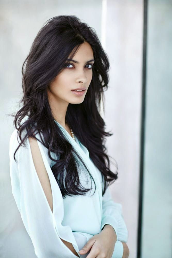 Cocktail Fame Heroine Diana Penty Latest hot hd Wallpapers