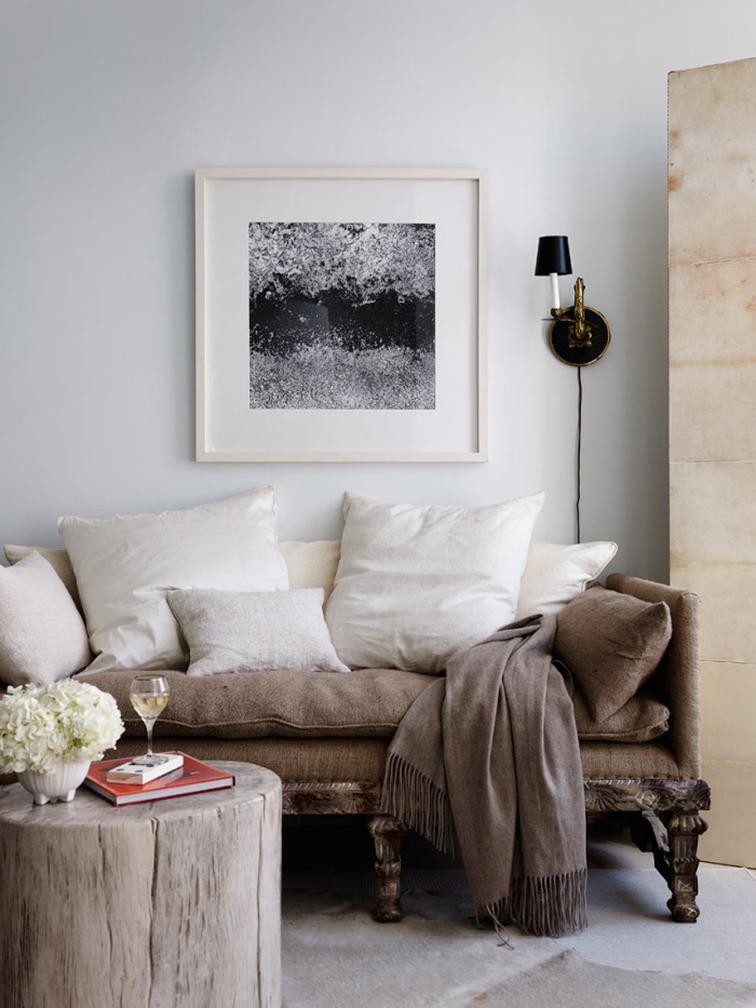 Plush, cozy living room, shabby chic aesthetic, home decor, home accesnts