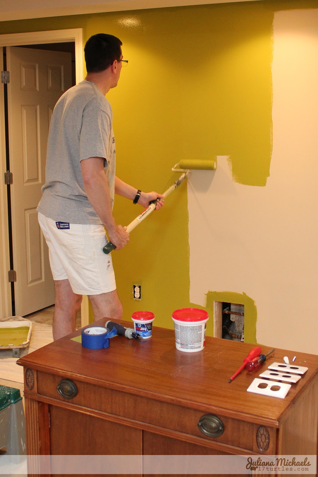 Juliana Michaels Scrapbook Room Makeover During Painting The Walls #sprizoflime