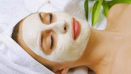 Natürliche Masken für Hautunreinheiten