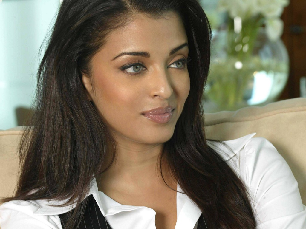 http://2.bp.blogspot.com/-W5qF8a5b0rs/T0v1HssyiZI/AAAAAAAAAUs/CJjxSuq-Wso/s1600/Aishwarya-Rai-download-free-wallpapers-for-desktop-1024-x-768-picture-computer-celebrity.jpg