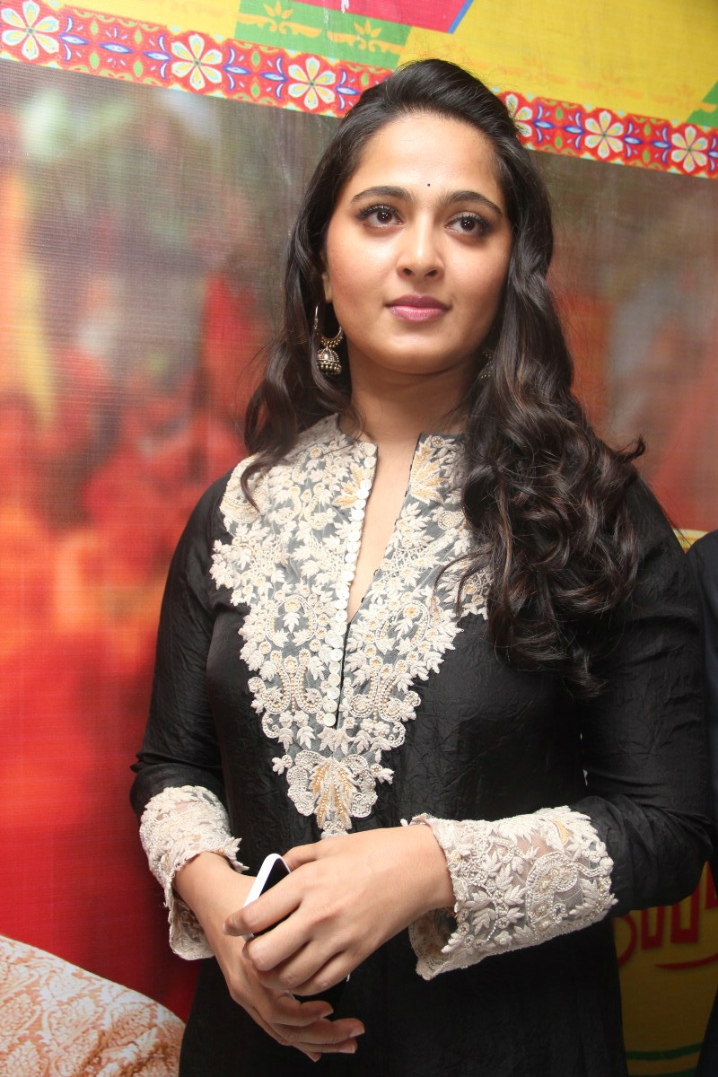 Anushka Shetty At Inji Idupazhagi Movie Audio Launch