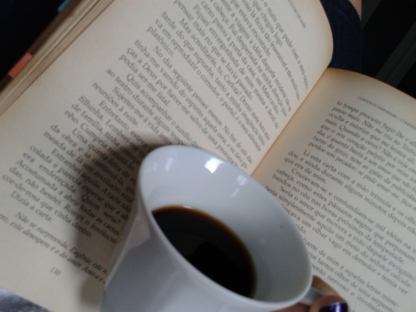 Livro + Café = Alegria