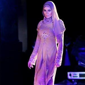 Muslim Fashion 2013 712508 Koleksi gambar busana muslim terbaru 2013