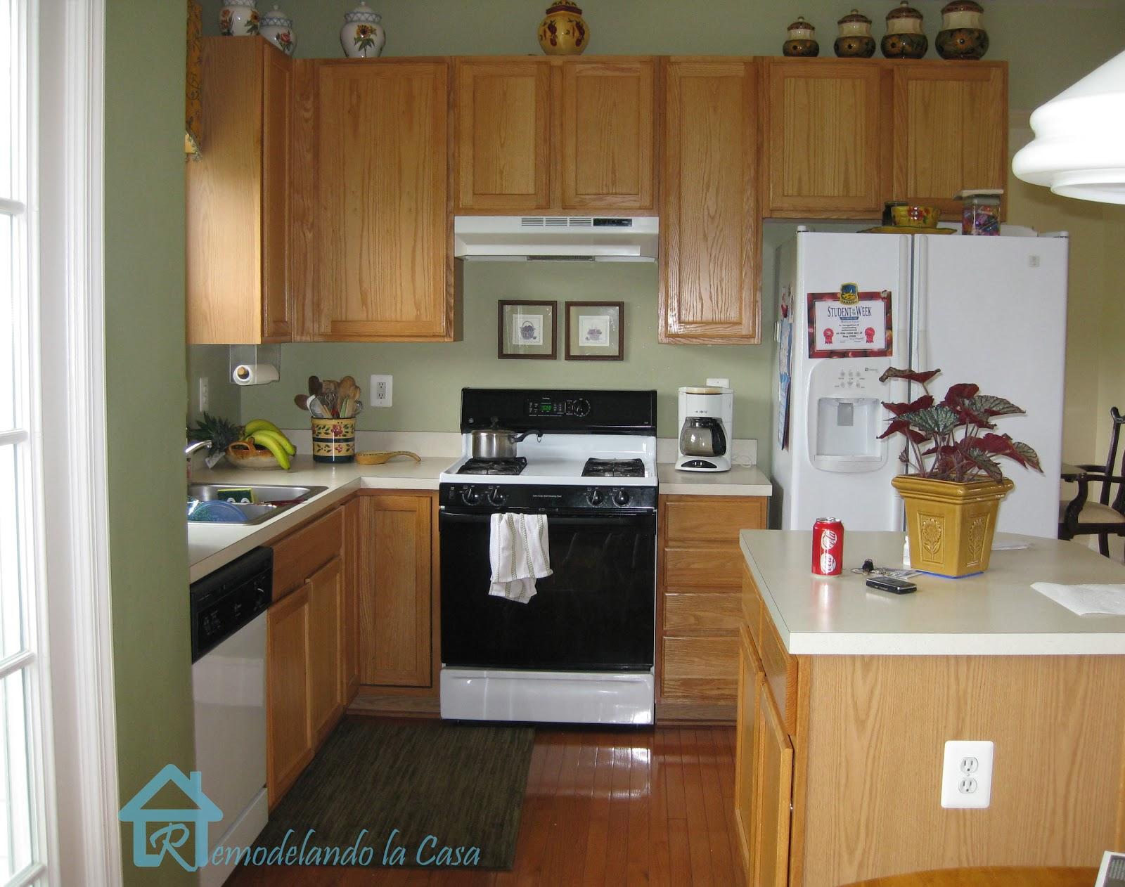 Savvy Southern Style: My Favorite Room..Remondelando la casa