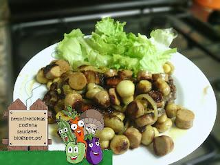 Costeletas com Cogumelos e Salsichas