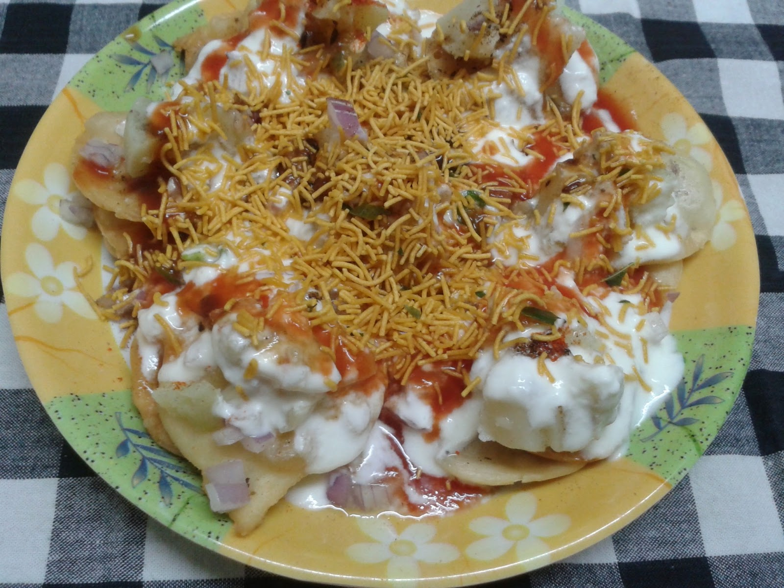Moong Dal Puri Chaat | chaat recipe
