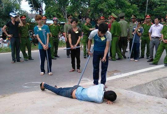 Gia Lai: Hàng nghìn người dân xem thực nghiệm hiện trường vụ trung úy công an bị đánh chết