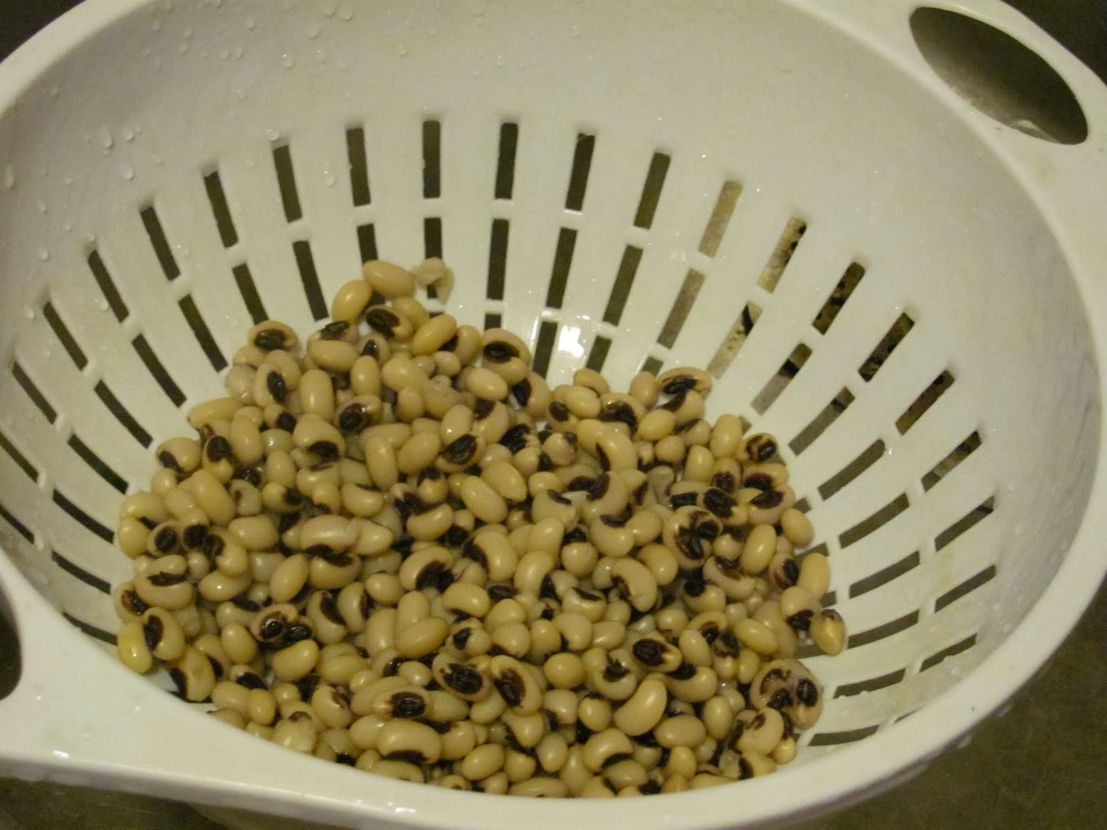 Soaked and Rinsed Black Eyed Peas for soup