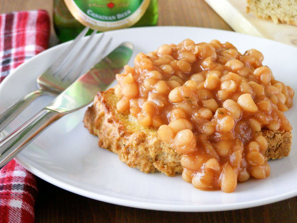 Drunk Canadian Maple Baked Beans with Toasted Herbed Beer Bread