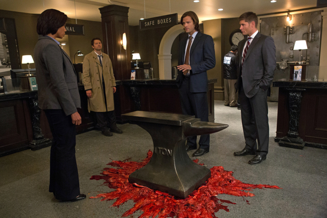 "Recap/review of Supernatural 8x08 ""Hunteri Heroici"" by freshfromthe.com"