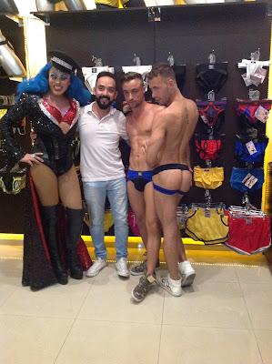 2 Brandon Jones Samuel Stone Meet and Greet By Under Store Mexico City July 31 2015
