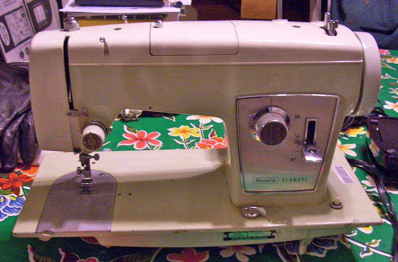 My Sewing Machine Obsession Kenmore 4040 Classy Kenmore Sewing Machine Cabinet Ebay