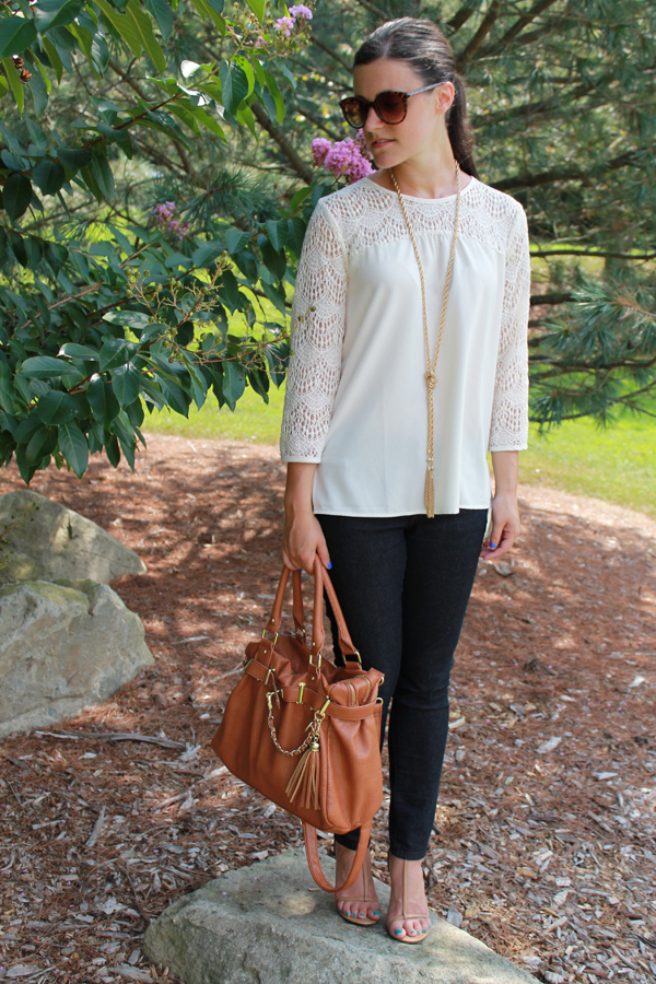 Baublebar lariat necklace, Forever 21 crocheted top, skinny jeans