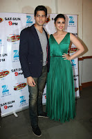 Sidharth & Parineeti Chopra at  Dance India Dance to promote 'Hasee Toh Phasee'