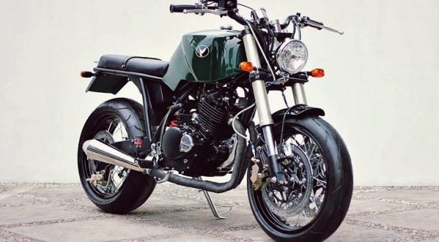 Galeri Foto Modifikasi Suzuki Thunder 250 Bergaya Street Scrambler  title=