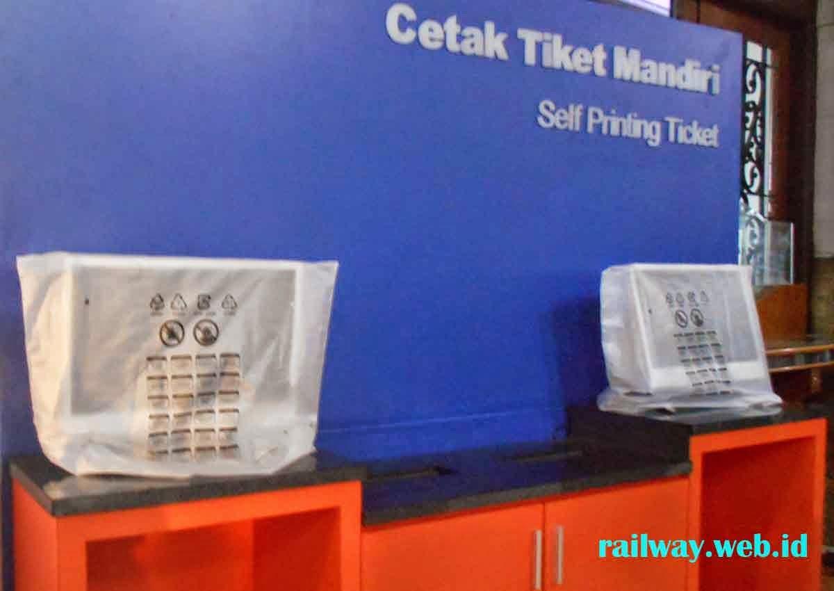 Cetak Tiket Mandiri Stasiun Gubeng
