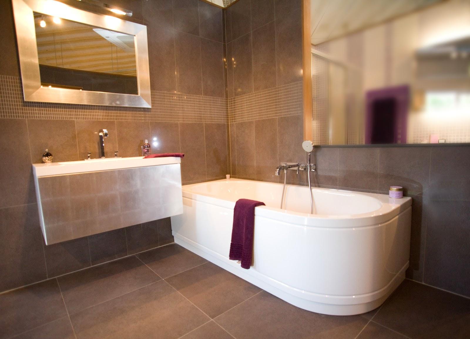 Ex display sale bette starlet iv comfort bath sold for Ex display bathrooms