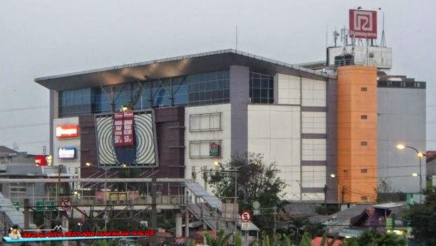 Sebagian orang yang tinggal di Jakarta niscaya sudah tahu dengan nama Yogya Department Stor 8 Kisah Hantu di Seputar Mall Klender