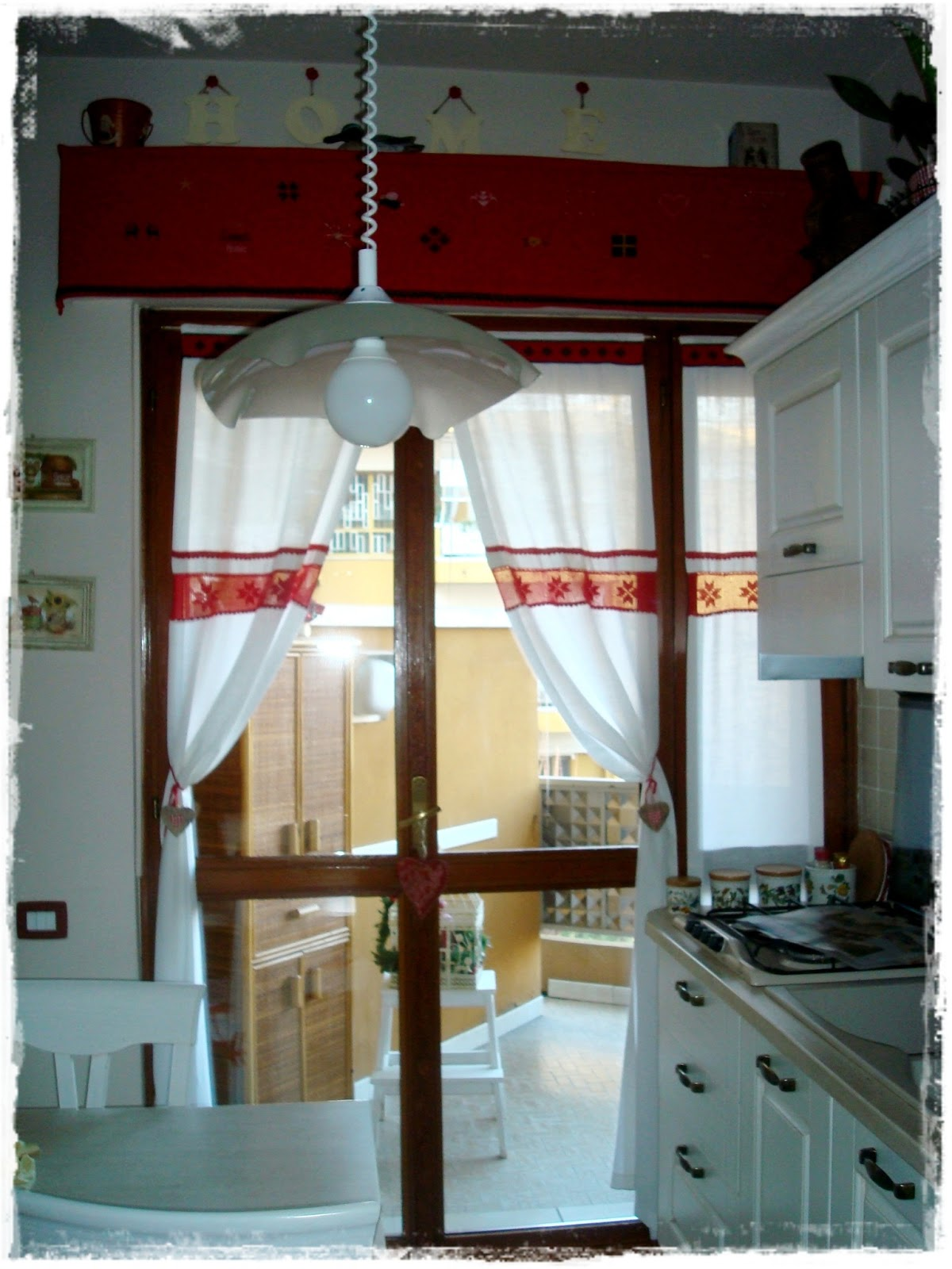 Shabby amelia le tende natalizie in cucina ricamo e uncinetto - Tende in cucina ...