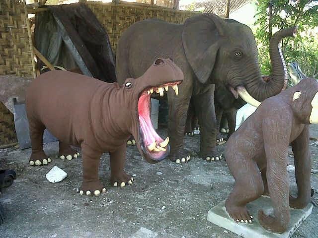 patung kuda nil grc untuk taman