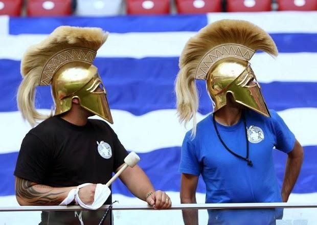 ελληνες φιλαθλοι περικεφαλαιες