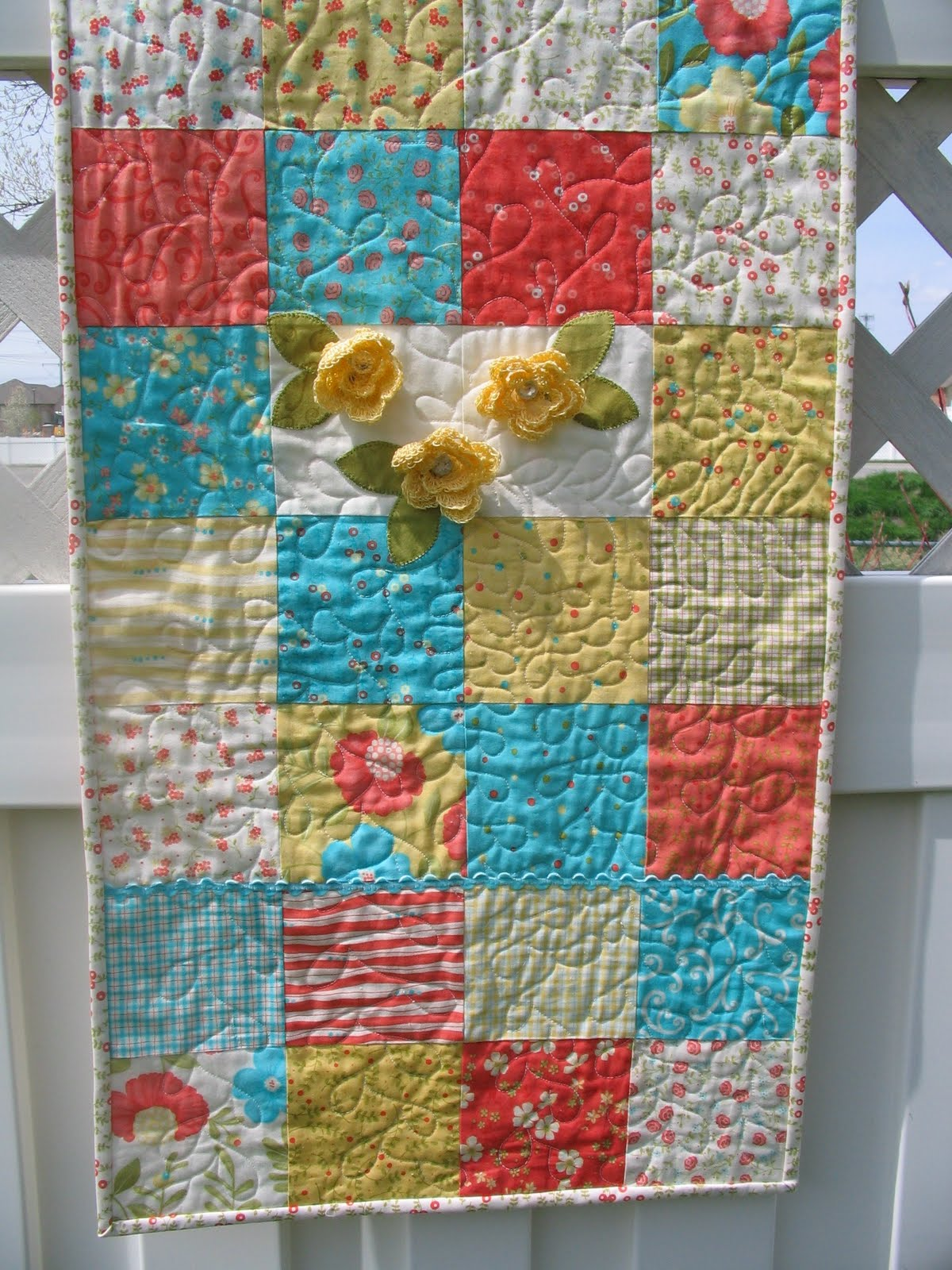 Free Crochet Pattern Flower Table Runner : a notion to sew: April 2011
