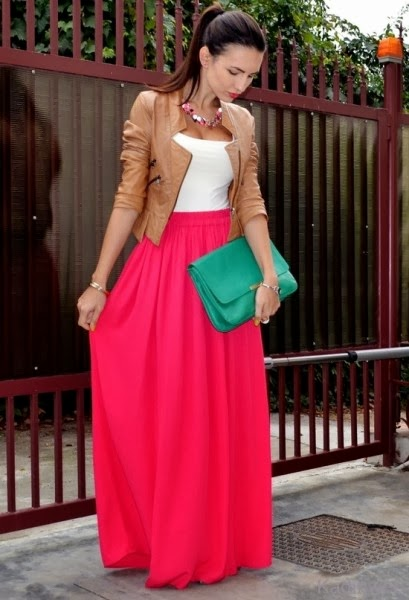Maxi skirt with a form-fitting top and structured jacket