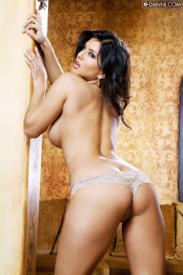 naked hot