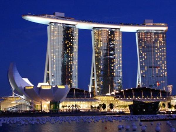 Resto Terapung di Langit Singapura