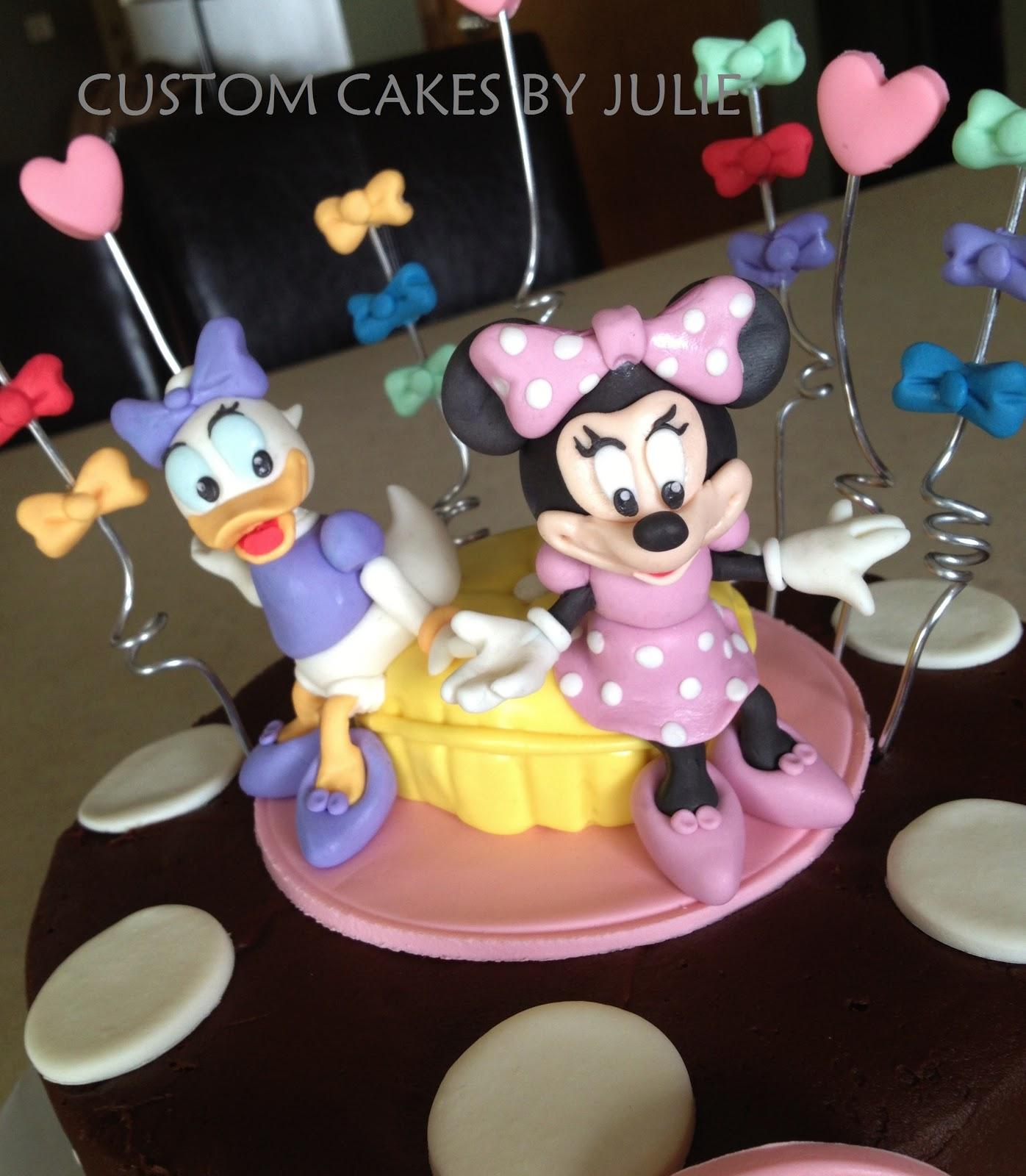 Daisy Disney Cake