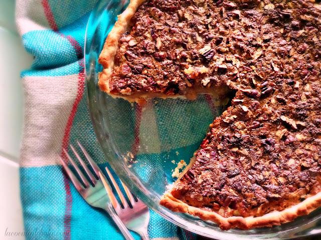 Maple Syrup Pecan Pie - lacocinadeleslie.com