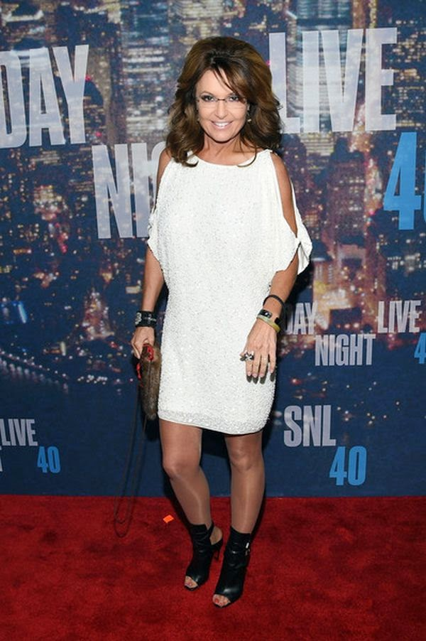 There's no nothing on this politician queen as the 40-year-old know that's not the reason she opted a white short dress to the SNL 40th anniversary after-party at the Plaza Hotel in New York City on Sunday, February 15, 2015.