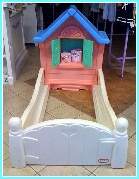 Kids Grow!: Cottage Bed