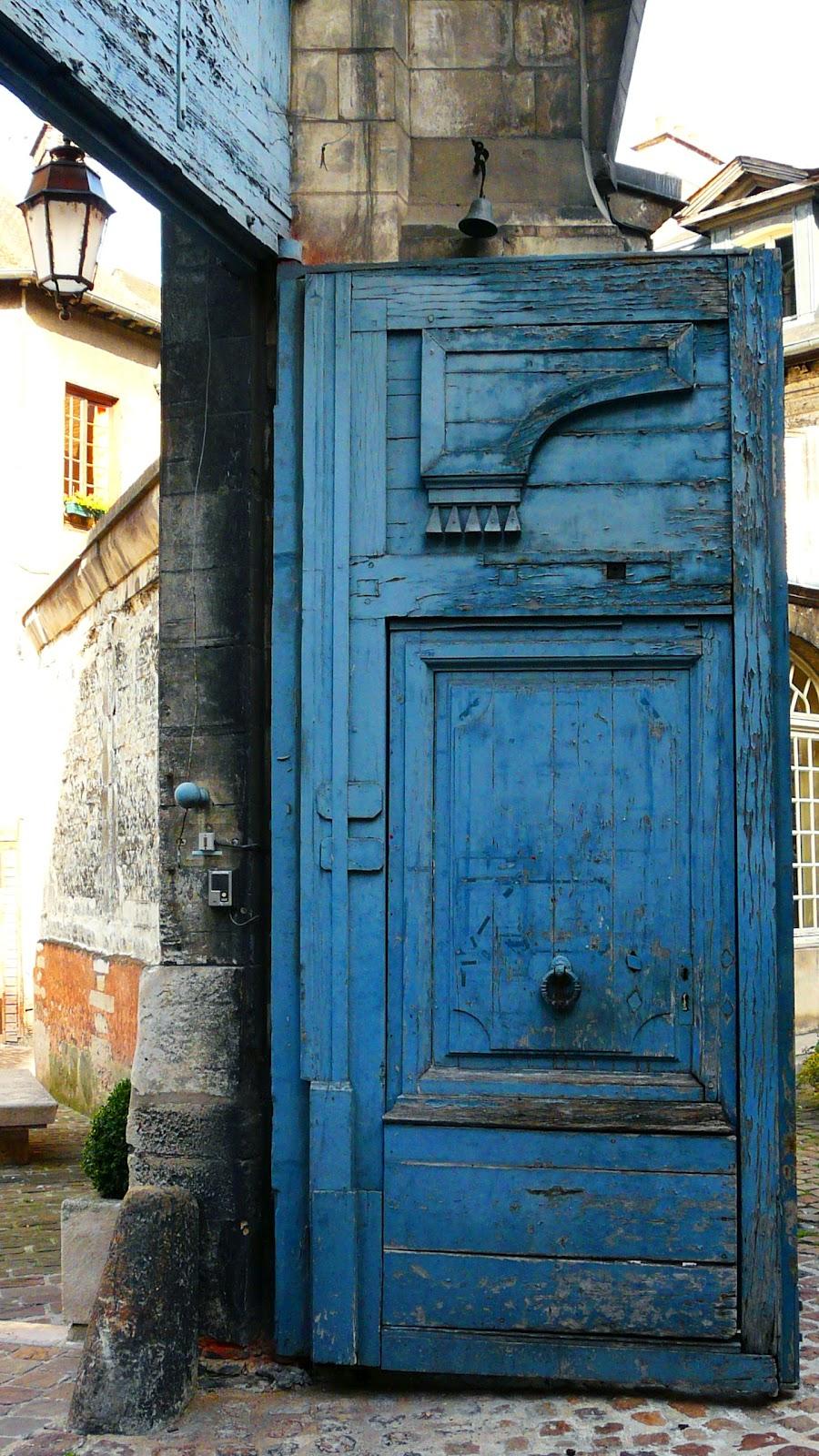 Pascal bertrand en route vers le territoire de cl mence - La porte bleue en belgique ...