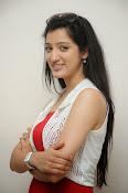 Richa Panai latest glamorous photos-thumbnail-16
