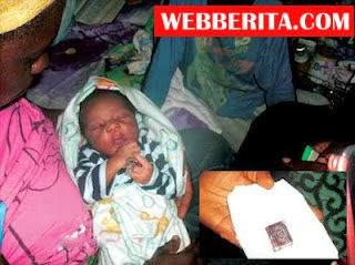 MESTI TENGOK Subhanallah Gempar Bayi Lahir Bersama Al Quran Kecil