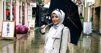 Image result for baju muslim musim hujan