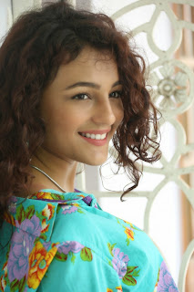 Seerat Kapoor Latest Stills (5).jpg