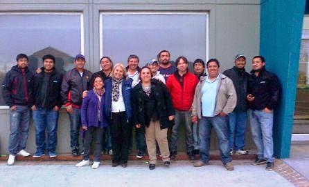 Sandra Partenio y los delegados de AOMA Santa Cruz