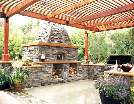 Set a summer kitchen amenities on your outdoor patio for Outdoor summer kitchen ideas
