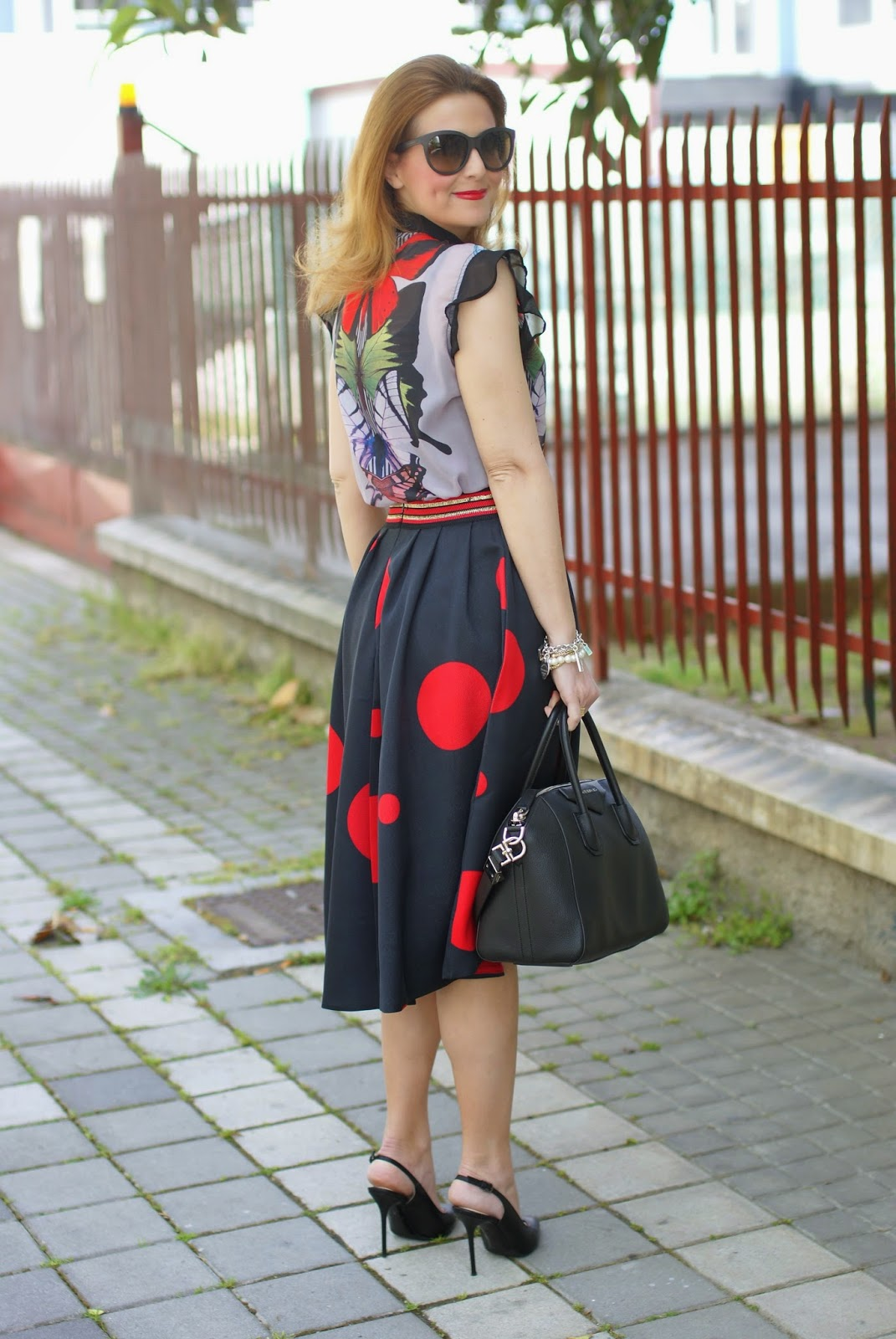 Smash! Saura blouse, Smash! top, Zaful polka dot skirt, large polka dot print, mix of prints on Fashion and Cookies fashion blog, fashion blogger style