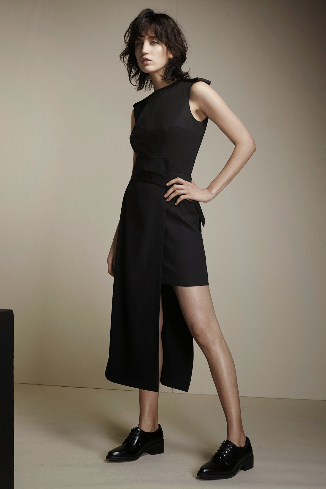 Zoe Jordan Fall Winter 2015 black asymmetric dress