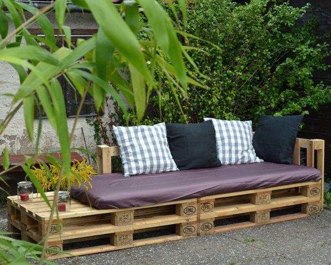 miris jahrbuch: eine lounge-ecke für parzelle 29: ein sofa aus, Garten und Bauen