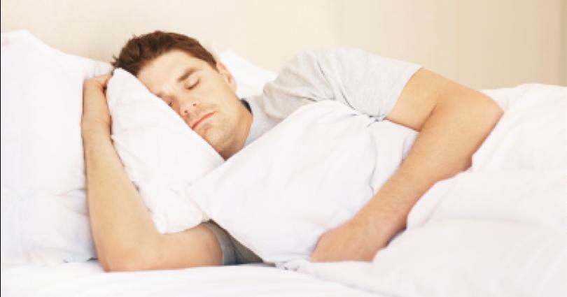 وضعيات النوم التي تخفف من آلام الظهر