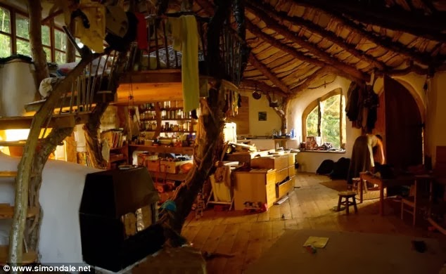 Man Builds Fairy Tale Home for His Family – Total Cost £3,000 - Hobbit Home Interior