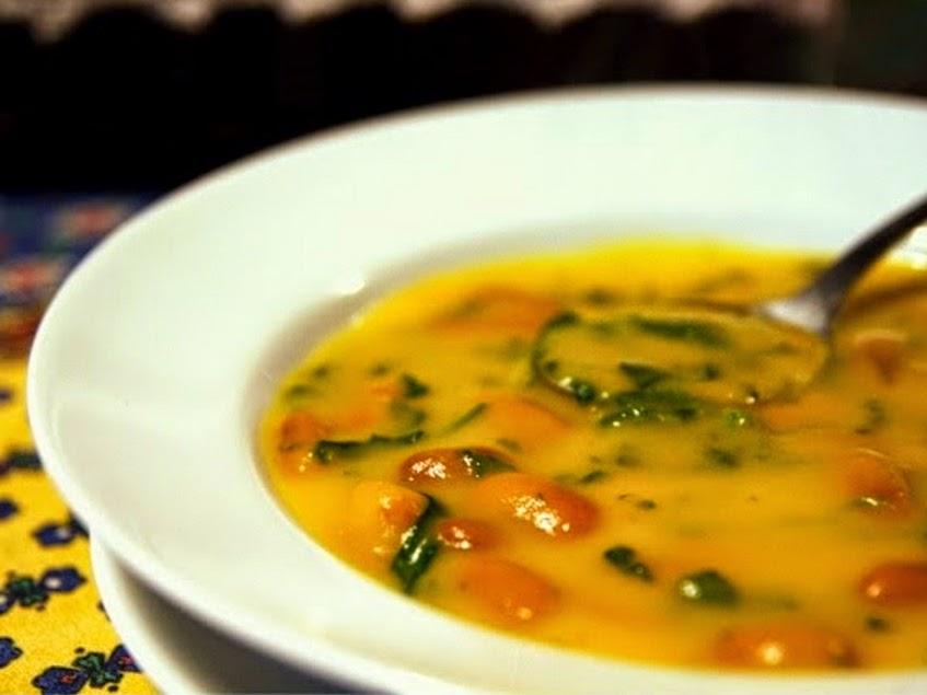 Sopa de Cenoura com Feijão e Espinafre (vegana)