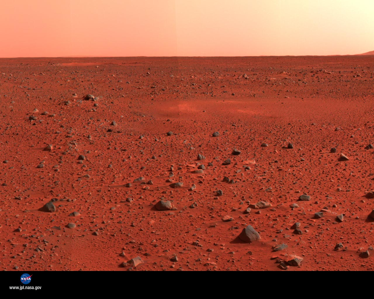 photographs from the mars curiosity rover