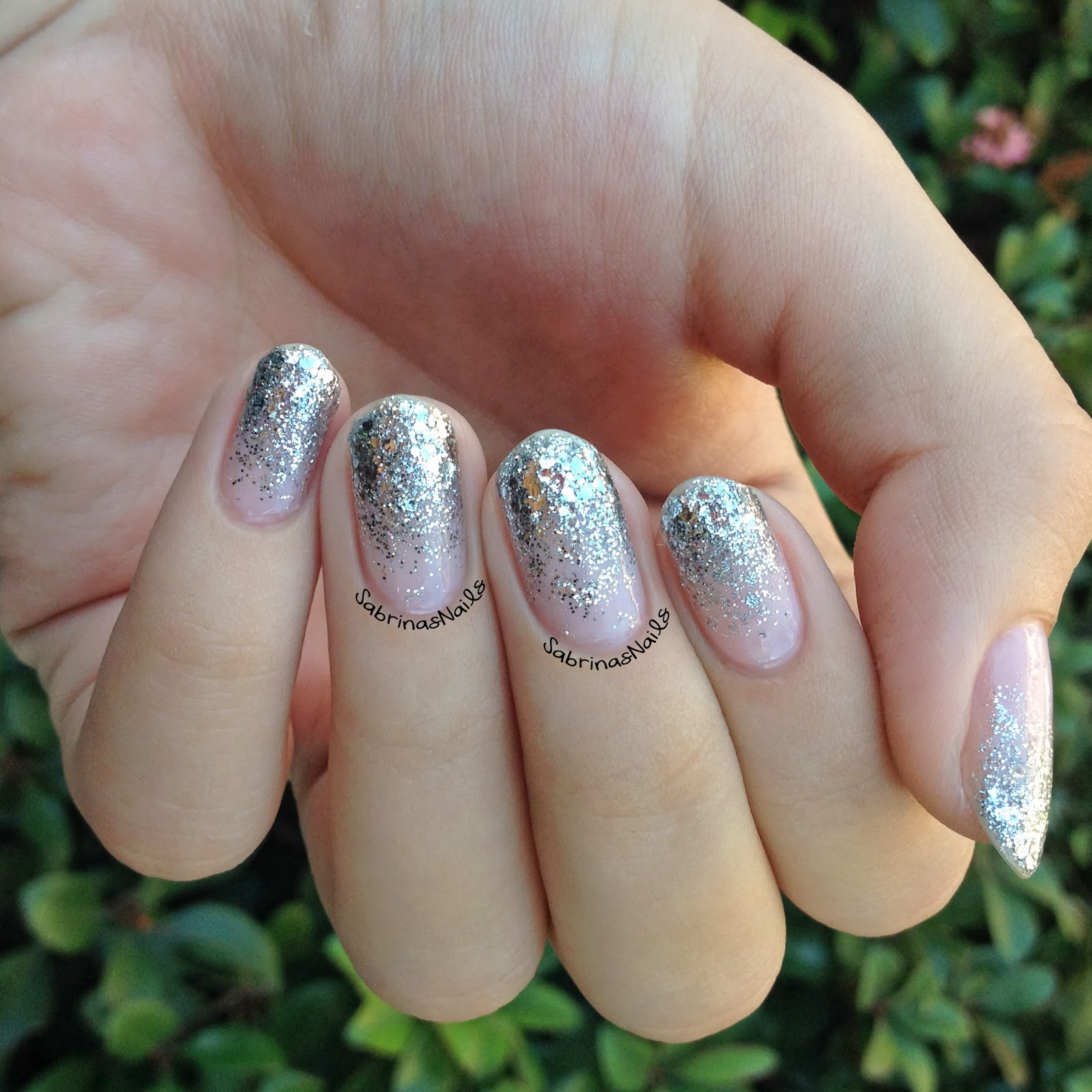 Sabrinas Nails: Silver Glitter Gradient + New Nail Shape!
