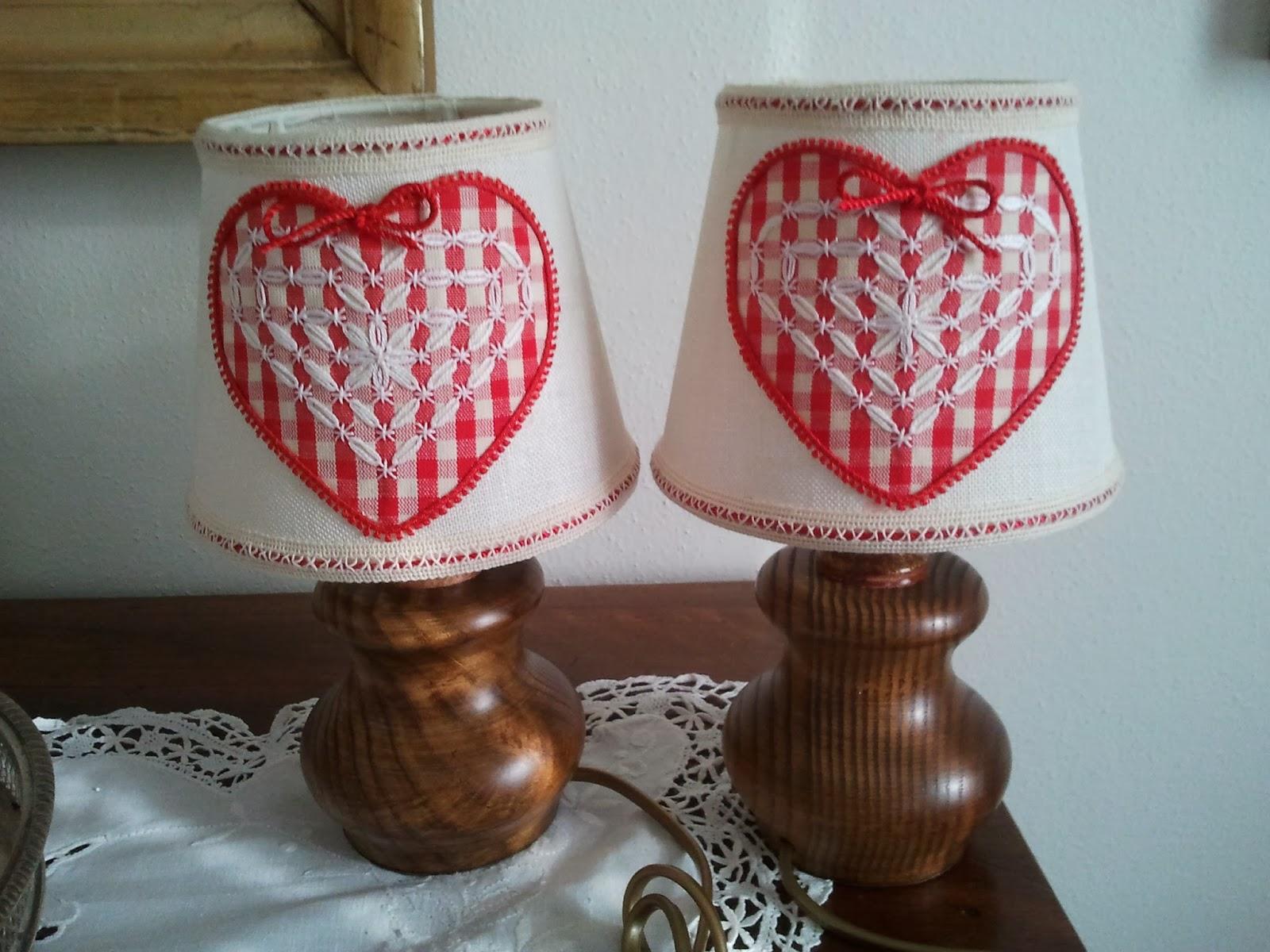 lampade rosse broderie suisse